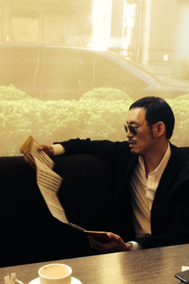 馬家輝隨身都帶著《金剛經》,馬家輝此次訪台也一樣經不離手。攝影/李逸文