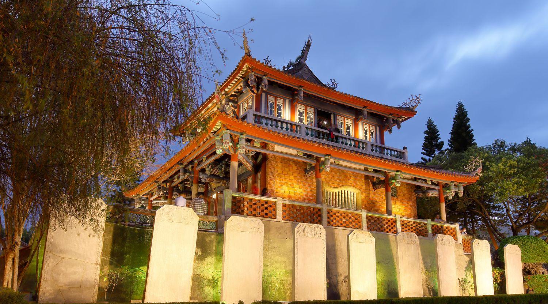《我的臺南:一青妙的府城紀行》:人不親土親,書寫在地的共同情感