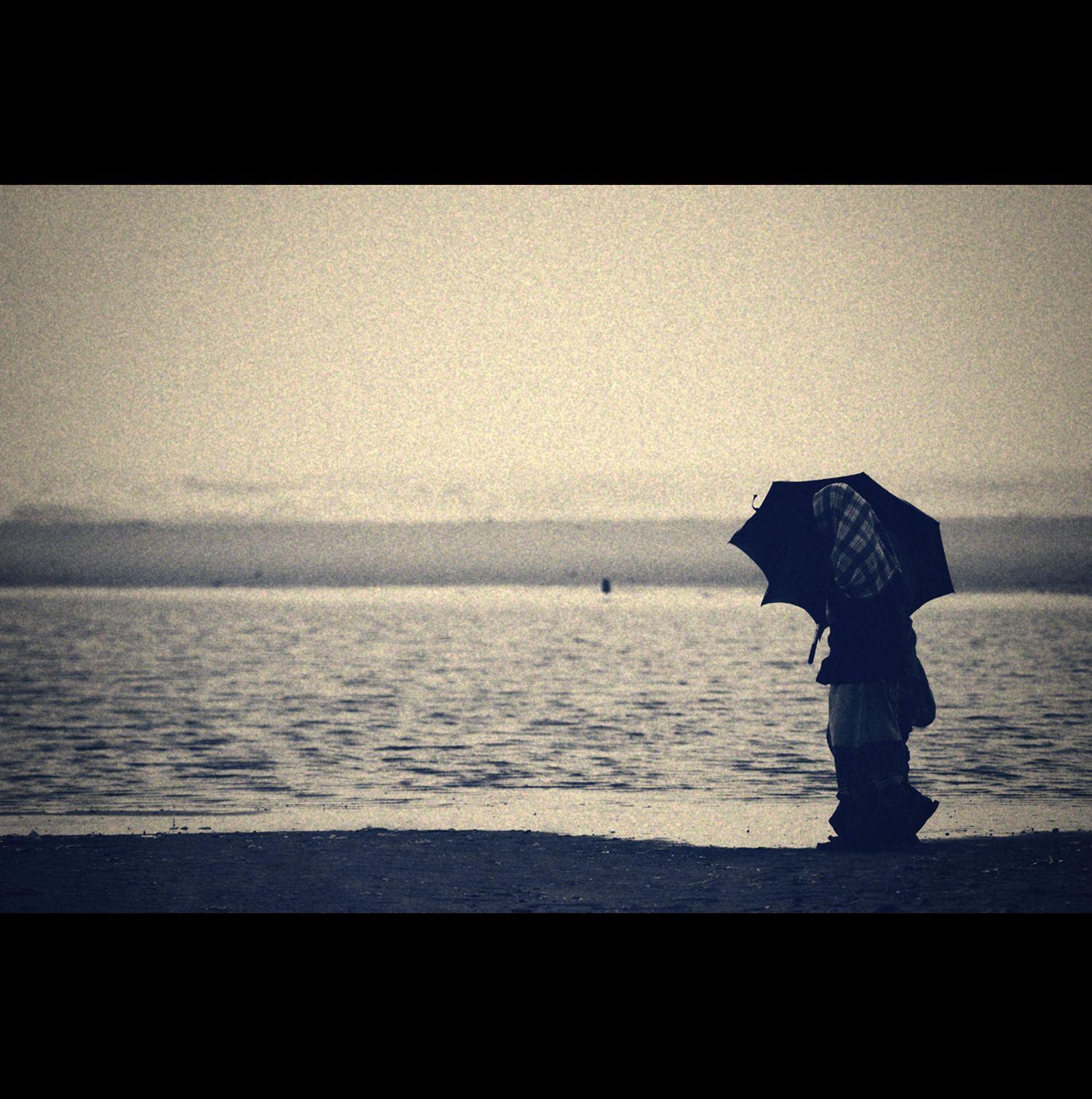 夢的追尋與人身的脫離──讀《我的肚腹裡有一片海洋》