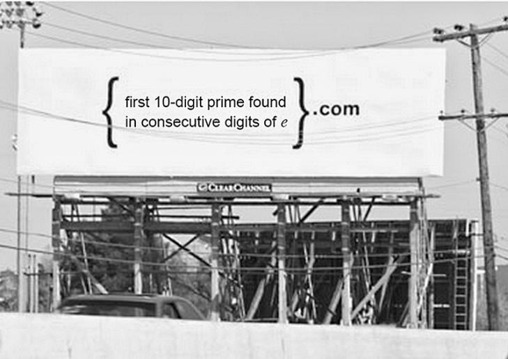 Google 的徵才廣告看板。謎題意為:e 值第一個 10 位質數.com(Credit to Google)