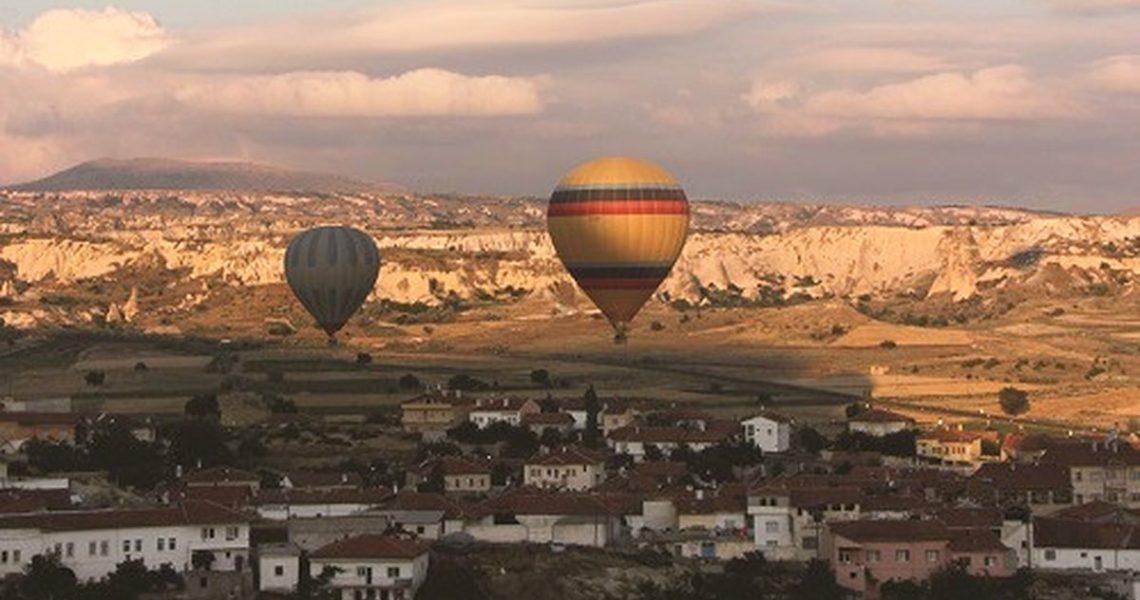 乘熱氣球探訪古老的地下城