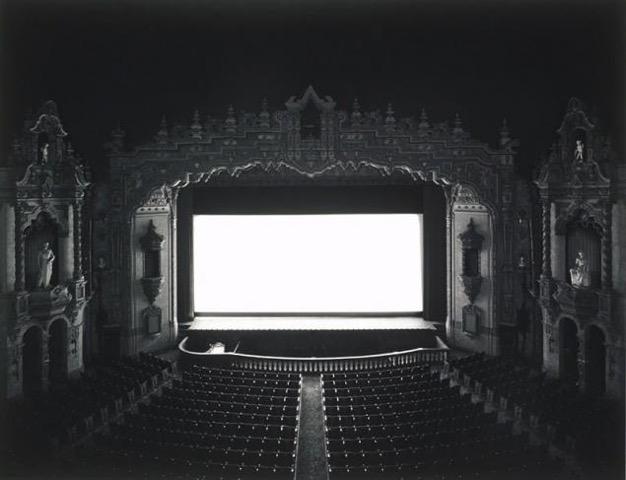 攝影藝術家杉本博司的「劇院系列」