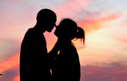 男生女生誰浪漫?