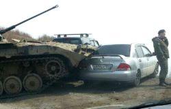 【裴凡強的人我生活】戰鬥民族的車車:左駕可以,右駕可以,坦克駕也可以啦!
