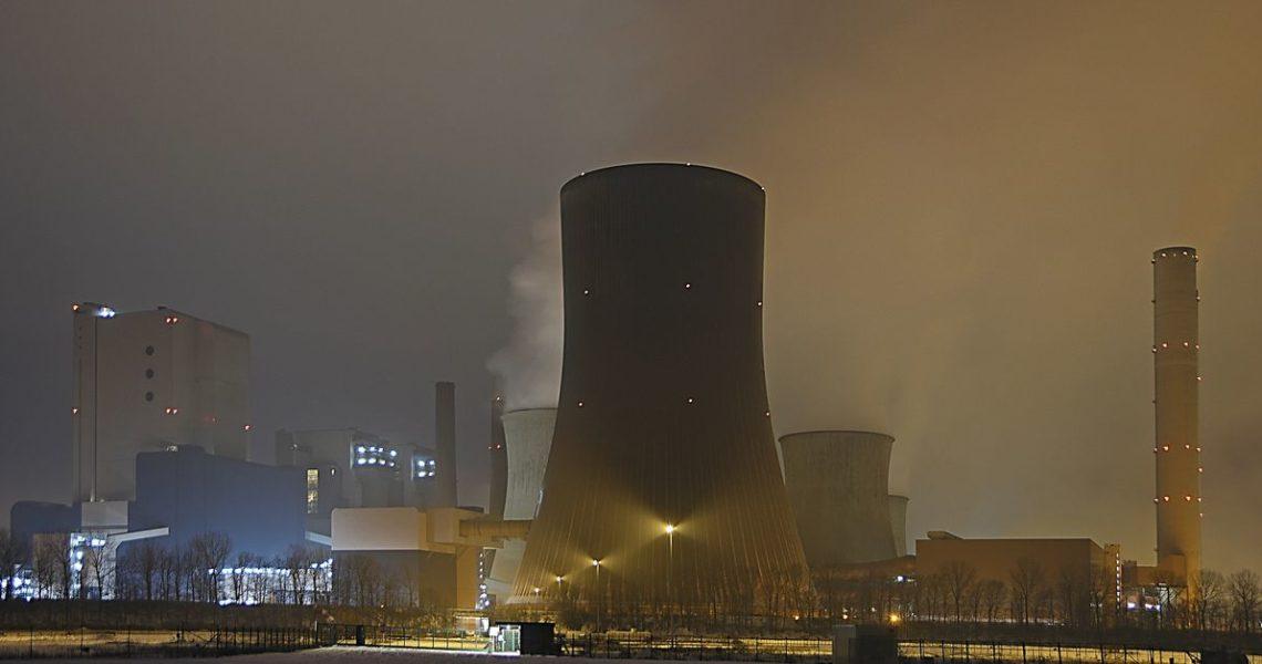 【楊勝博上街讀小說】從核能工安意外受害者談起:冷言《輻射人》