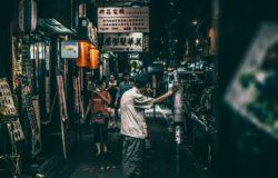 不止聚焦案件,也反應時代大事、複雜人性,標誌香港在地風貌──陳浩基的《13.67》