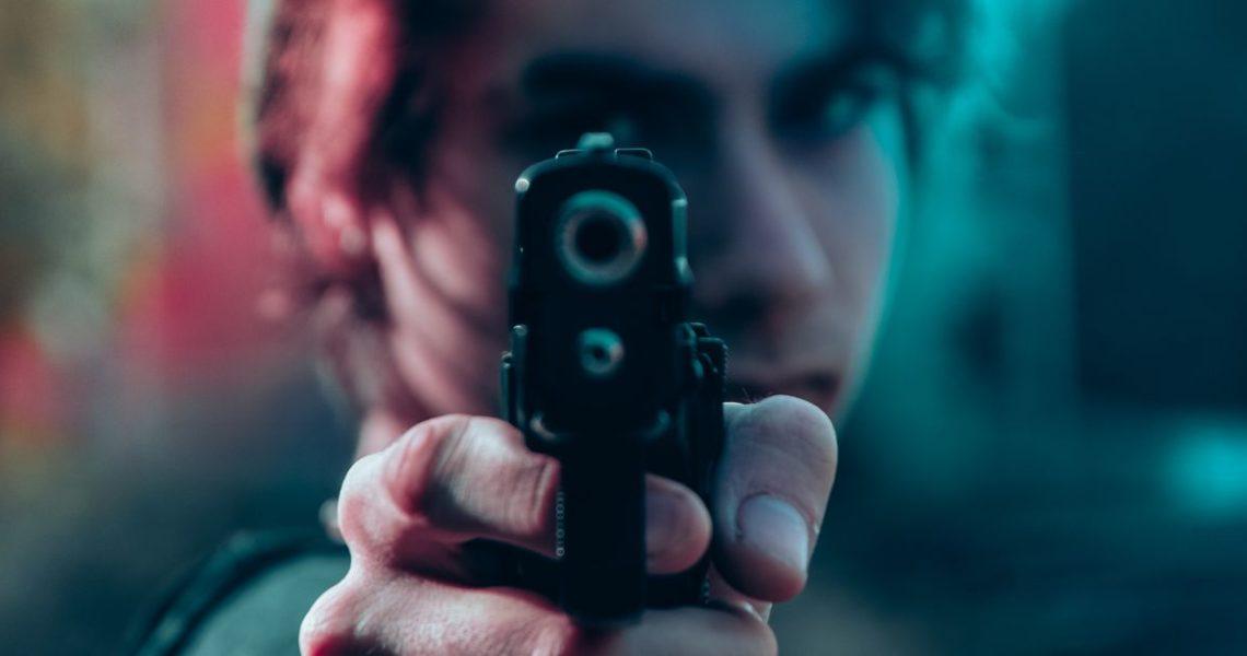 「槍也給我們自由,自由做我們想做的事,或者對對方而言,是自由做他們想對我們做的事。」