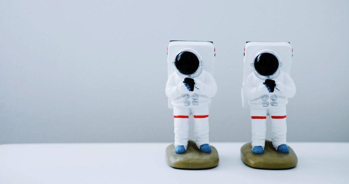 【一週E書】喜歡像《火星任務》那樣科幻又科科的作品?《月球城市》來啦~