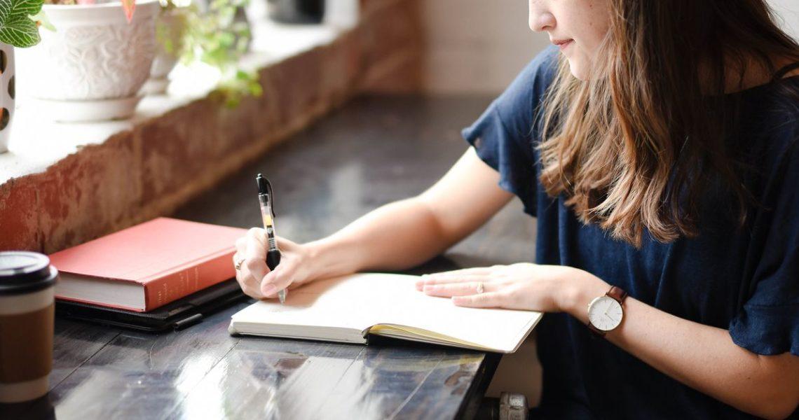 【果子離群索書】寫小說療傷!?:只有誠實才可寫出真誠小說,只有自己才能改寫人生劇本