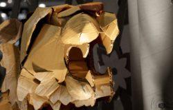 要理解那隻能自己行動的摺紙老虎代表什麼意義,你得學會將它開展、直視內裡
