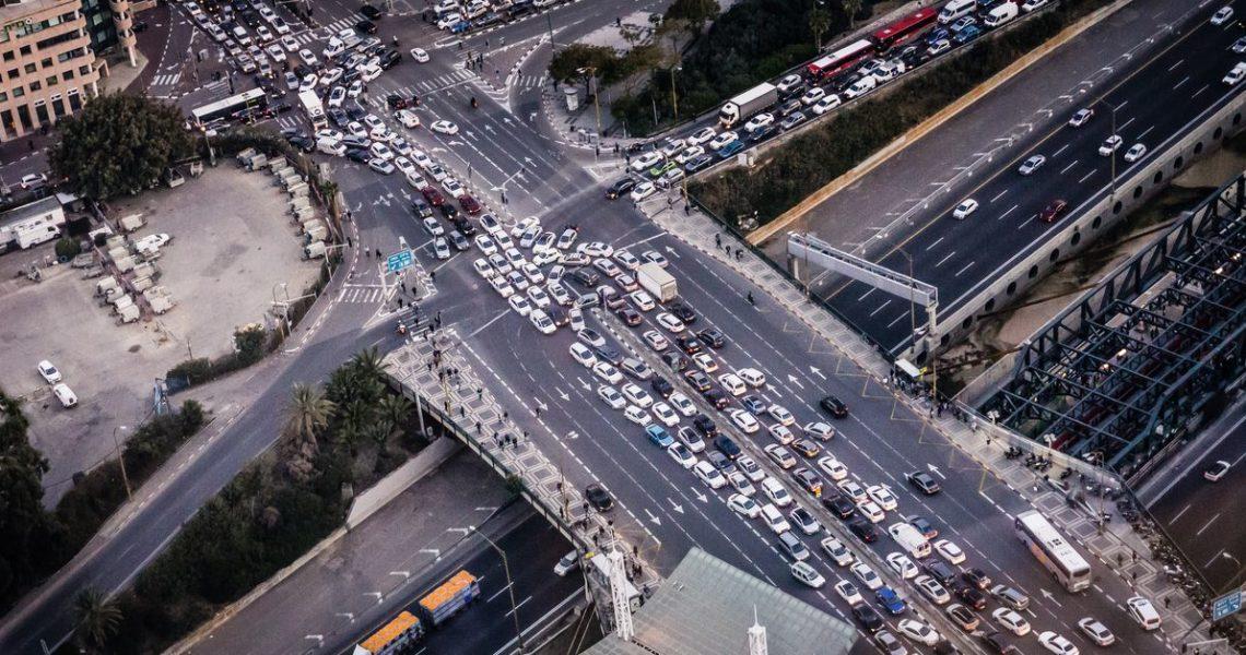 【一週E書】我願意多花一點錢購買高速公路上一條不塞車的專用線道──這樣可以嗎?