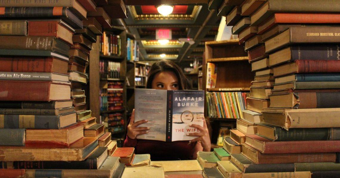 「我對每本書都怦然心動啦!」──近藤麻理惠的整理魔法不適用於書蟲?