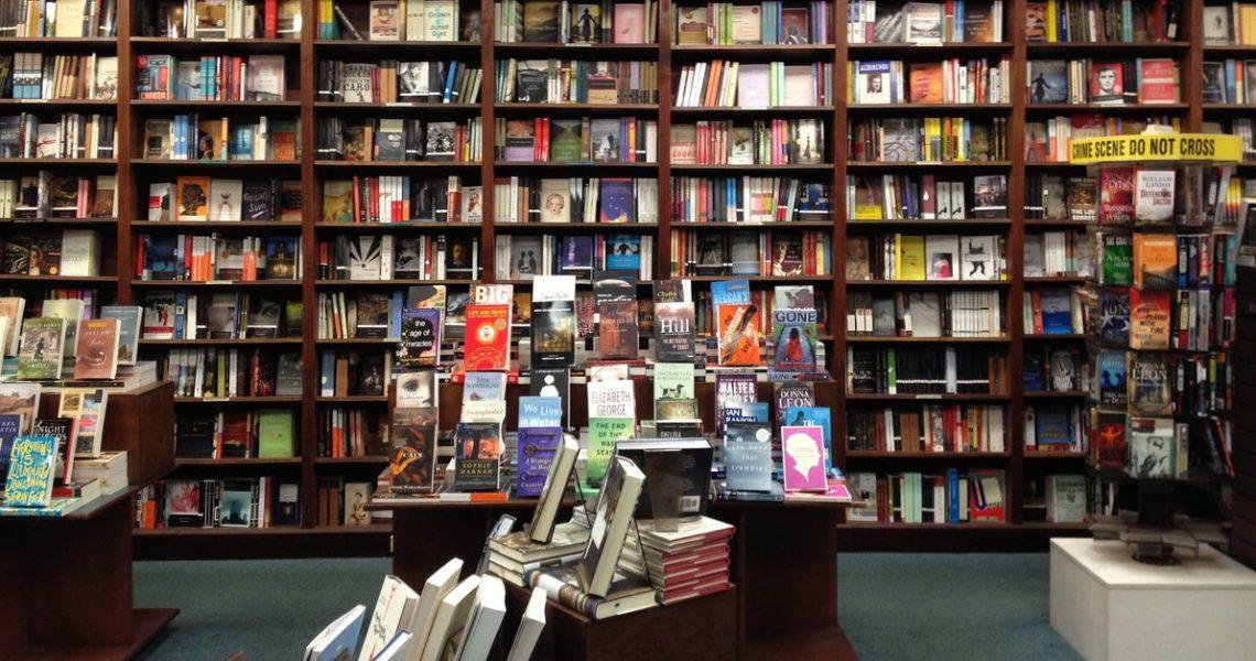 走進書店,等一杯咖啡,拿到一本書──莎士比亞書店再起!