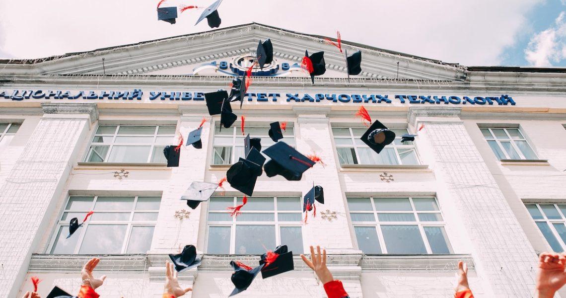 相較於開學季,10間你也許更不想面對的學校