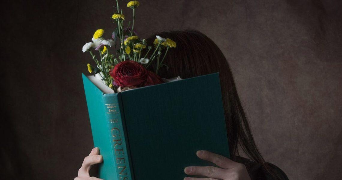 【陳夏民用功讀世界】我們都是寂寞的怪人——讀《我想為你推薦一本書:沒錯,這就是我最喜歡做的事》