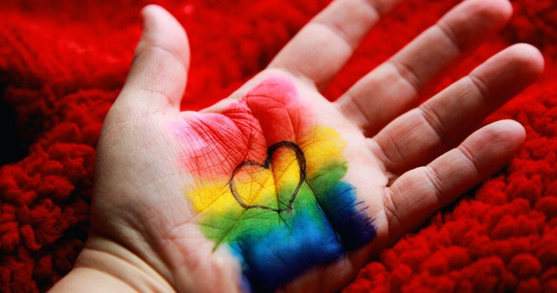 媽媽,我是個正正經經的小孩,只是我喜歡的是同性而已