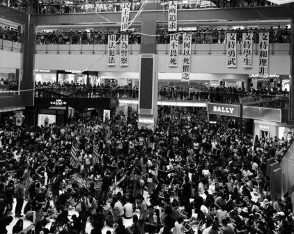 就讓全世界繼續利用香港吧,有這樣的作用已經很好——專訪《我們的最後進化》作者阿木