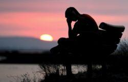 「我希望讓深受憂鬱症所苦的人們知道,他們並不孤單」——專訪《正午惡魔》作者安德魯.所羅門