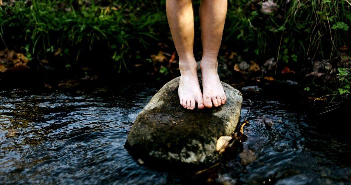 【讀者舉手】痛苦會過去,愛會留下,剛開始很混沌,最後一切都好。從前從前,在河畔