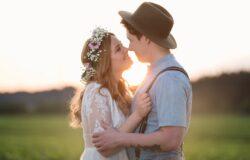 在小說中,只要有糖出現就有戀情發生。