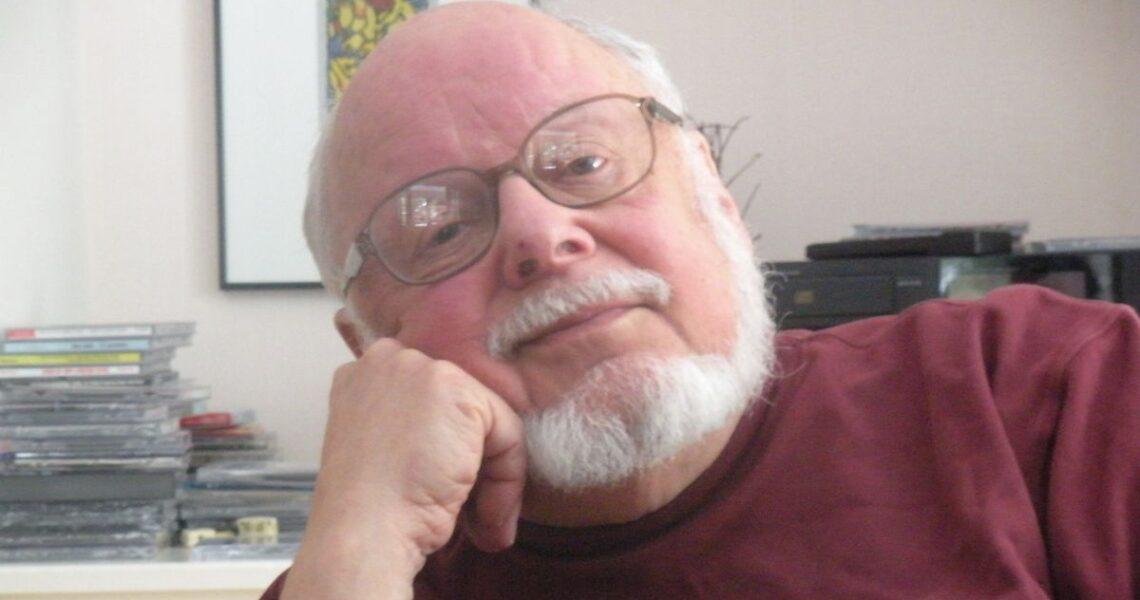從艾瑪華森到歐巴馬都是他的粉絲!──《神奇收費亭》作者逝世