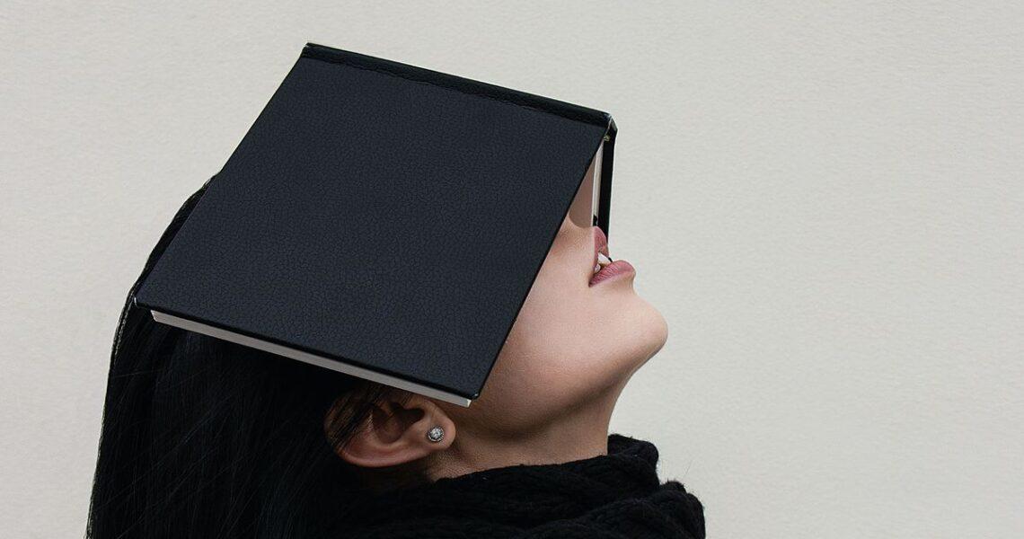 【讀者舉手】小恨怡情,大恨傷身——讀張亦絢《我討厭過的大人們》