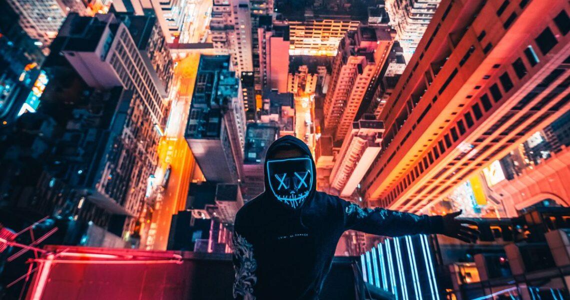 【陳夏民用功讀世界】歡迎光臨美麗新香港——談《從前,有個香港》與《美麗新世界》